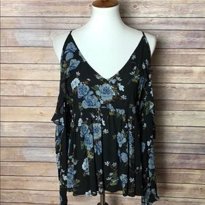 Tops - NWT American Eagle Outfitters boho cold shoulder M